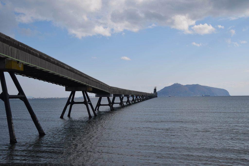 上磯から見る函館湾と函館山