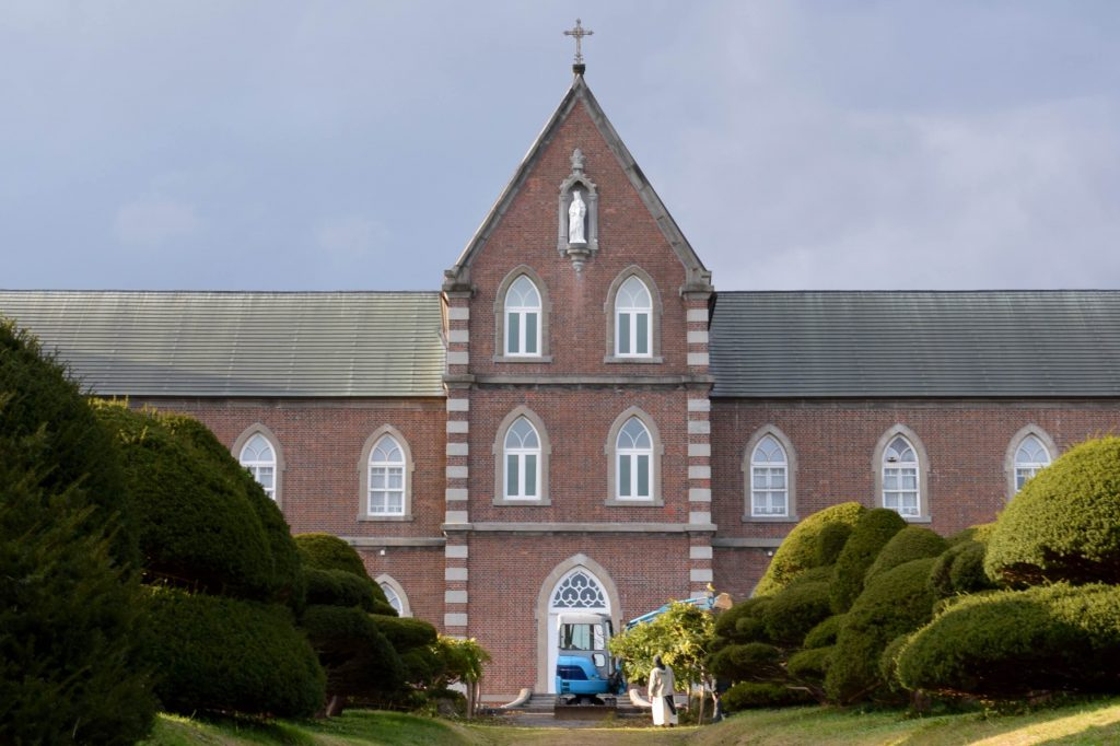 修道院の庭