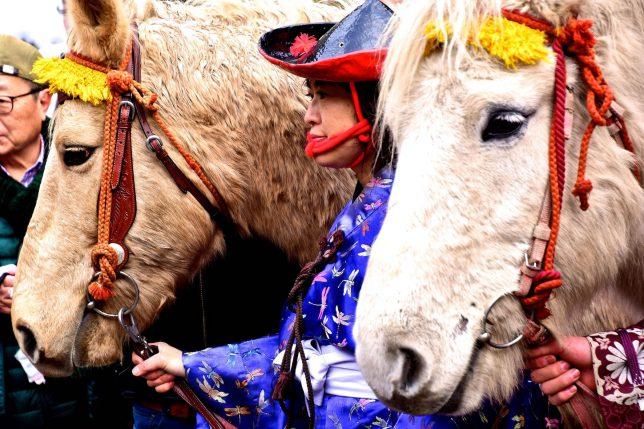 騎手も騎馬たちの健康と安全を祈願