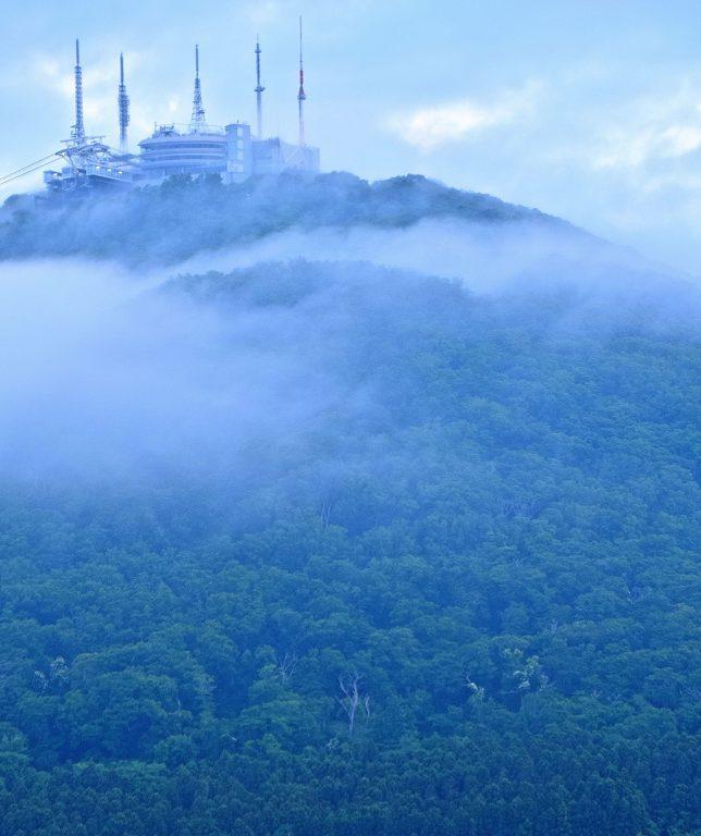 霧の函館山