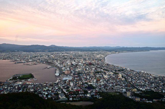 夕暮れの函館市街